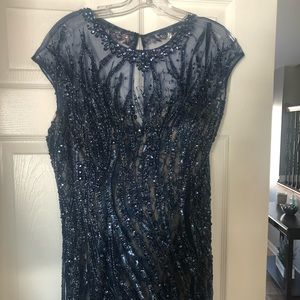 Dresses & Skirts - Tony Bowls Evening Gown. Size 14